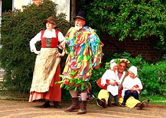 Tudor Life at Kentwell Hall 1589, May 2009, Suffolk, England (Manfred 960) Tags: costumes longmelford england history century canon suffolk hovel historical recreation reenactment kentwellhall 16thcentury livinghistory historicalreenactment kentwell tudors 1589 historicalcostumes tudorrecreation tudortimes historicalreenactments historicalrecreation tudorreenactment tudorlife tudorliferecreation tudorcostumes tudorhistory lifeintudortimes tudorlifeatkentwellhall tudorlive
