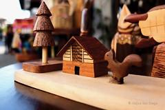 Wood Craft Souvenir @ Calle Crisologo (Meljoe San Diego) Tags: wooden calle fuji philippines souvenir vigan x10 ilocossur crisologo meljoesandiego