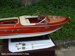 Riva-Aquarama-Beige-Wooden-Speed-Boat-Model-RC-67cm-005 (rcflashmodelboat) Tags: woodenboat chriscraft woodenboats woodboat modelboats antiqueboats modelships woodboats boatmodels chriscraftboats chriscraftboat chriscraftrunabout rivaaquarama boatsmodel woodenchriscraft