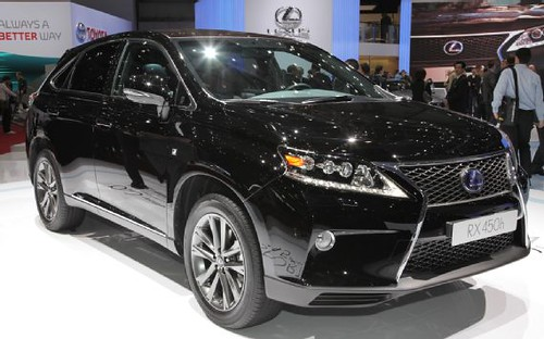 2012 Geneva Motor Show - Lexus RX450h