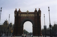 "Arc de Triomf, Barcelona • <a style=""font-size:0.8em;"" href=""http://www.flickr.com/photos/9840291@N03/13941423435/"" target=""_blank"">View on Flickr</a>"