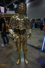 Planet Comicon Kansas City 2016 Cosplay (V Threepio) Tags: robot starwars costume outfit midwest geek cosplay posing dressup kansascity cosplayer comiccon droid comicconvention c3po 2016 protocoldroid planetcomicon sonya6000