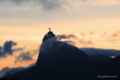 (Constance Trott) Tags: sunset brazil brasil riodejaneiro rj cidademaravilhosa cristoredentor prdosol constance christredeemer morrodocorcovado constancetrott