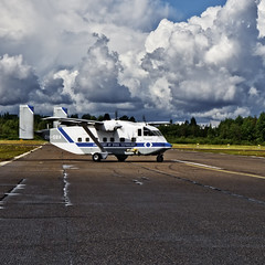 OH-SBA (ri Sa) Tags: plane finland airport helsinki university aircraft short aalto airfield malmi sc7 skyvan helsinkimalmi ohsba 3a100