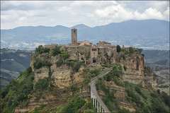 Civita di Bagnoregio: the town that is dying (Bert Kaufmann) Tags: italien italy island italia erosion decline isle viterbo lazio itali eiland civita bagnoregio erosie civitadibagnoregio frazione ilpaesechemuore thetownthatisdying worldsmostendangeredsites