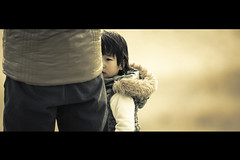 Don't Be Afraid (moaan) Tags: boy beach digital kid dof bokeh hide utata sands hiding cinematic 2012 canoneos1ds rf30mmf28isusm