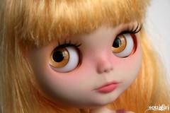 Lola's handpainted caramel eyechips :)