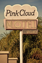 Pink Cloud Motel (TooMuchFire) Tags: signs sign retro sanfernandovalley motels lightroom northhills oldsigns vintagesigns vintageneonsigns vintagesignage oldmotels vintagemotelsigns pinkcloudmotel toomuchfire 9355sepulvedablvdnorthhillsca