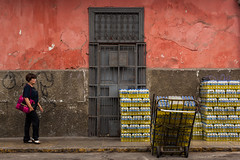Inca Cola delivery (Lima, Peru) (ardenstreet) Tags: travel peru southamerica cola lima drink pop delivery soda incacola 2014connietsang