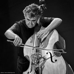 Renaud Garcia-Fons (hervedulongcourty) Tags: auditoriumduconservatoiredetourcoing bw carlzeiss carlzeisslenses concert contrebasse doublebass festival france gig jazz jazzsession music musique nb renaudgarciafons sony sonya7s square squareformat tourcoingjazzfestival zeiss zeissaposonnart2135zf2 aposonnart2135 archet blackandwhite europe manualfocus photo photography 123bw noiretblanc bestportraitsaoi world100f black white photos