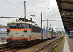 BB25643 & 3R Colore (Oliver_A) Tags: train bretagne rrr rame sncf ter reversible inox regionale bb25500 bb25600 bb25643