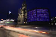 Kaiser-Wilhelm-Gedchtniskirche (Pascal Volk) Tags: berlin church night nacht kirche wideangle ruine wa bluehour 20mm ww charlottenburg neubau gedchtniskirche superwideangle sww hohlerzahn uwa blauestunde weitwinkel swa breitscheidplatz ultrawideangle uww kwg ultraweitwinkel superweitwinkel canonef1635mmf4lisusm canoneos6d berlincharlottenburgwilmersdorf