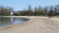 La Plage et Deux Tour De Sauveteur. 2016-05-11 14:46.48 (Sandbanks Pro) Tags: park holiday canada tree beach nature water sand eau quebec sable paysage arbre plage parc vacance touristique fleuve fleuvesaintlaurent sainttimothe salaberrydevalleyfield parcrgionaldesilesdesainttimothe parcrgional tourdesauveteur