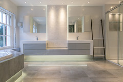 3L5A6429 (terrygrant1) Tags: bathroom porcelain tiling