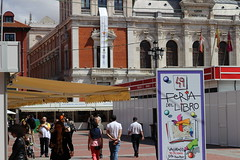 IMG_2246 (ladislaus_nim) Tags: plazamayor cultura feriadellibro barriocentro