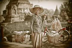 Sukhothai Thailand (♥siebe ©) Tags: old woman thailand buddha north ruin buddhism thai seller sukhothai boeddha สุโขทัย ประเทศไทย ไทย เมืองไทย