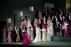 Opera Essentials: Manon