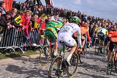 Tour of Flanders Wannegem-Lede 11 (philk_56) Tags: rondevanvlaanderen belgium cycling wannegemlede tourofflanders huisepontweg road race cyclists riders cobbles