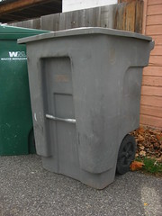 Waste Management (Thrash 'N' Trash Prodcutions) Tags: trash truck washington garbage clayton destruction center equipment management document co waste ward refuse recycle conveyor facility recycling heavy ci baler kennewick shred recyclables