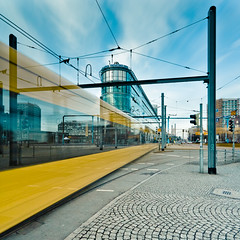 Graufiltertest 3 - Wiener Platz (Philipp Götze) Tags: dresden langzeitbelichtung wienerplatz dvb hautbahnhof graufilter nd30 strasenbahn