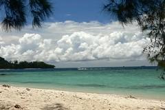 On the beach of Mamutik island (MyBukit) Tags: park blue sea sky cloud beach water landscape island coast loneliness snorkeling national malaysia borneo sabah pulau kota mamutik tunkuabdulrahman kinabali