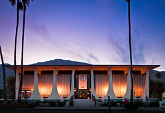 Coachella Valley Bank (Chimay Bleue) Tags: lighting blue sunset building architecture modern night dark concrete evening design soleil cityscape arch williams desert dusk coucher illumination bank canyon palm architect stewart springs hour utopian fountains financial parabolic modernist beton brutalist midcentury postwar brut mcm paraboloid