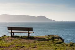 Banco con vistas (Appleando) Tags: mar banco paisaje acantilado picn