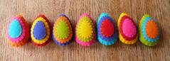 Colorful felt easter eggs (Het Bovenhuis) Tags: easter multicolored egghunt felteggs