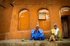 two old men sitting on the old mosque of the village of segoukoro, near Segou, Mali (anthony pappone photography) Tags: africa old men niger canon muslim mosque westafrica afrika mali bozo afrique moschea segou   bambara      segoukoro africantribe