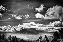 Nebelsee (phelsumar) Tags: bw bali schwarzweiss hdr hdri 2010 rundreise vulkan indonesion