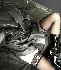 sleep well (klepptomanie) Tags: stockings leather mac boots gloves latex raincoat wellies nylons klepper
