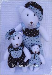 Ursinhos Marrom e Azul - Cláudia (Marias e Mimos) Tags: flordetecido ursosdetecido ursinhomarromeazul decoraçãomarromeazul lembrancinhamarromeazul tricicloemmdf carrodemãoemmdf