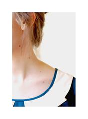 (begoa ml.) Tags: light selfportrait luz girl hair neck myself 50mm chica skin nikkor autorretrato pelo 2012 cuello piel lunares nikond60