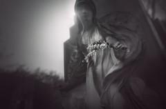 Offering (@hipydeus) Tags: cemetery angel munich mnchen tomb figure mystic