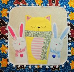 Cat and bunnies (Addis y su mundo encantado) Tags: tela almofadas cojines