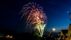 Dult Regensburg - Abschlussfeuerwerk (Florian Grundstein) Tags: olympus regensburg feuer omd nachtaufnahme donau feuerwerk langzeitbelichtung 2016 dult em10 raketen explosionen