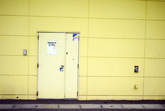 L1005278c (haru__q) Tags: door leica yellow m8 summaron  leitz