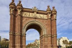 Barcelona - Arc de Triomf (Quartonet) Tags: barcelona city travel color style spagna wael sonyalpha sonya700 sony16105