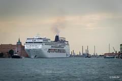 Leaving Venice. (Q-BEE) Tags: cruise family venice italy holidays italia urlaub familie guide veneto venzia venetien ialien cavallinotreporti