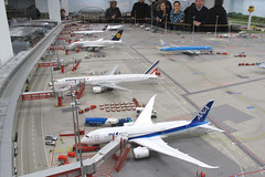 Miniatur Wunderland - ANA 787 Dreamliner (Howard_Pulling) Tags: museum canon germany deutschland photo model photos hamburg models picture german minature miniaturwunderland wunderland g12 miniatur minaturewonderland canong12