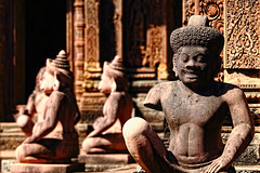 ((qifei)) Tags: archaeology smile statue temple cambodia sorriso siemreap angkor tempio