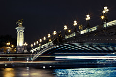 Alexandre III (floimages) Tags: city paris architecture night canon lights nightshot pont lighttrails reflets nocturne ville pontalexandreiii lightstream poselongue 2470mmf28 canon5dmarkii