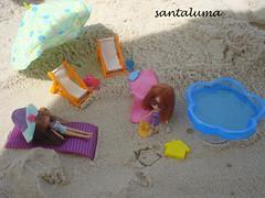 Layla construindo castelo de areia!!