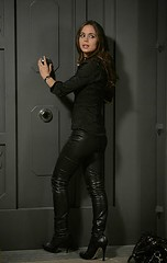 eliza dushku leather pants 03 (bollemis2) Tags: leather pants eliza dushku