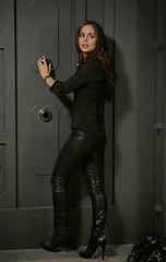 eliza dushku leather pants 03 (bollemis2) Tags: leather pants eliza dushku
