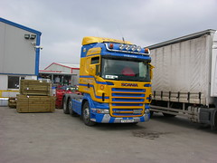 DSCN3177. PX08 EVN. Scania R420. D R Macleod (ronnie.cameron2009) Tags: truck scotland glasgow scottish lorry transportation western trucks westernisles isles inverness scania isleoflewis lorries stornoway lochmaddy roadtransport heavyhaulage highlandsofscotland roadhaulage generalhaulage bulkhaulage haulagecontractor drmacleod scottishhighlandsofscotland halaulage goodscarried carrageofgoods goodsbylorry