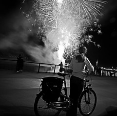 Bordeaux fireworks. (Olivier G35) Tags: bordeaux feudartifice