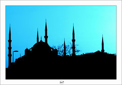 Istanbul - 185 (bruxelles5) Tags: blue sunset de soleil spice coucher istanbul mosque topkapi hagiasophia dolmabahce bosphorus epices basilique galata mosque bosphore grandbazar stsophie citerne mosquebleue sultanahmedmosque sleymaniyemosque mosquedesoliman