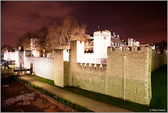 Tower of London (Peter Heuts) Tags: city uk england london photography fotografie sony united kingdom stadt angleterre alpha 700 ville stad engeland a700 straatfotografie peterheuts