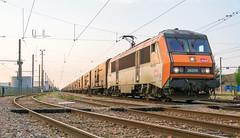 Direction Brive la Gaillarde (Avrillon) Tags: train trains run fret rungis me140 conducteur 26000 ferroviaire bb26000 fretsncf